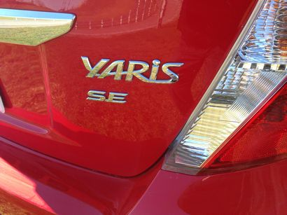 Yaris SE Badge